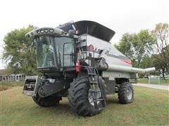 2011 Gleaner S-77 Tritura Combine