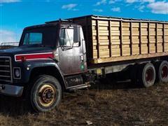1979 International S1900 T/A Grain Truck