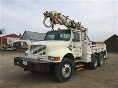 1993 International 4900 T/A Digger Derrick Truck
