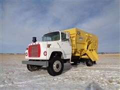 1989 Ford LN8000F Feed/Mixer Truck