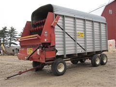 Meyer 518 AL Forage Wagon