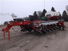 2014 White/Massey Ferguson 9816 Simply Advanced II 16 Row Planter