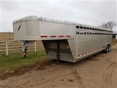 2005 Featherlite 8120 Stock T/A Livestock Trailer