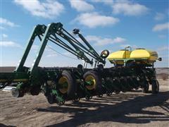 2010 John Deere 1770 NT 24Rx30 Planter