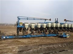 1997 Kinze 2600 16R31 Planter with Row Markers