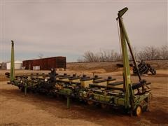 John Deere 7300 Max Emerge 2 Planter