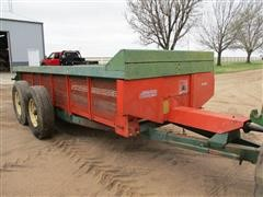 1981 New Idea 245 10 Ton Manure Spreader