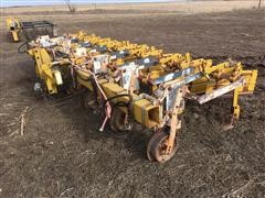 Buffalo 4600 High Trash Cultivator With Auto Guide Hitch
