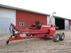 2004 Gehl 1085 Pull-Type Forage Harvester