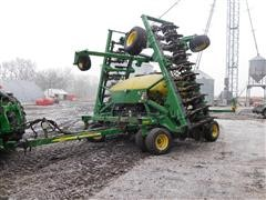 2005 John Deere 1690 Air Seeder