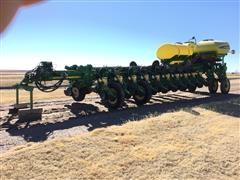 2012 John Deere 1770NT CCS 24 Row Planter