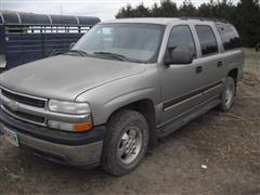 2001 Chevrolet 1500 LS 4x4 Suburban