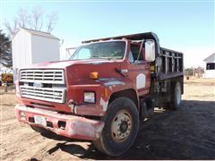 1985 Ford F-800 Dump Truck